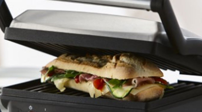 Gagnez un Gril 3 en 1 avec un Gril, une presse-sandwichs et un gaufrier