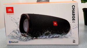 Gagnez l'un des 4 haut-parleurs Charge 4 de JBL d'une valeur de 219,99 $